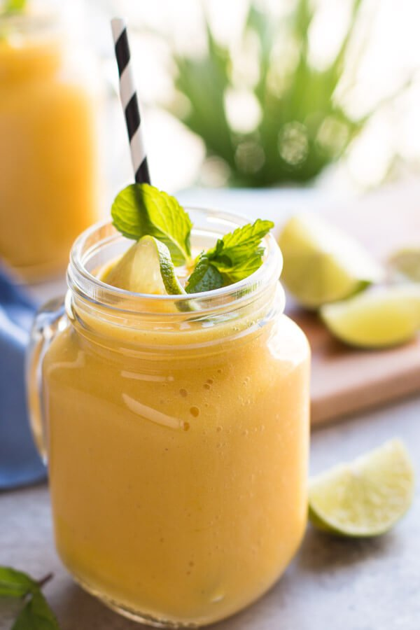 Banana and Mango smoothie