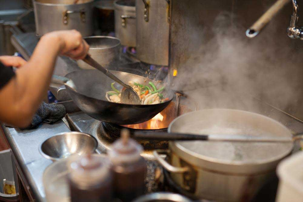 Features You Need to Consider when Choosing the Best Carbon Steel Wok