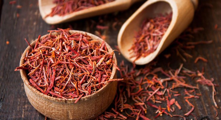 What Does Saffron Taste Like? Understanding Its Magical, Expensive Allure! 1 #cookymom