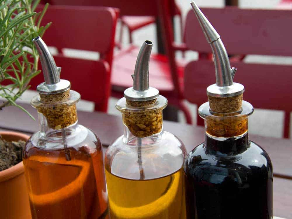 7 Best Balsamic Vinegar Substitute (#3 Might Already Be in Your Kitchen Cabinets) 3 #cookymom
