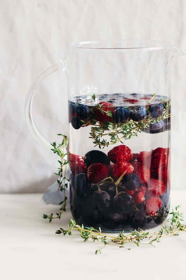27 Refreshingly Flavored Water Drinks To Cool You Down This Hot Summer Season 23 #cookymom
