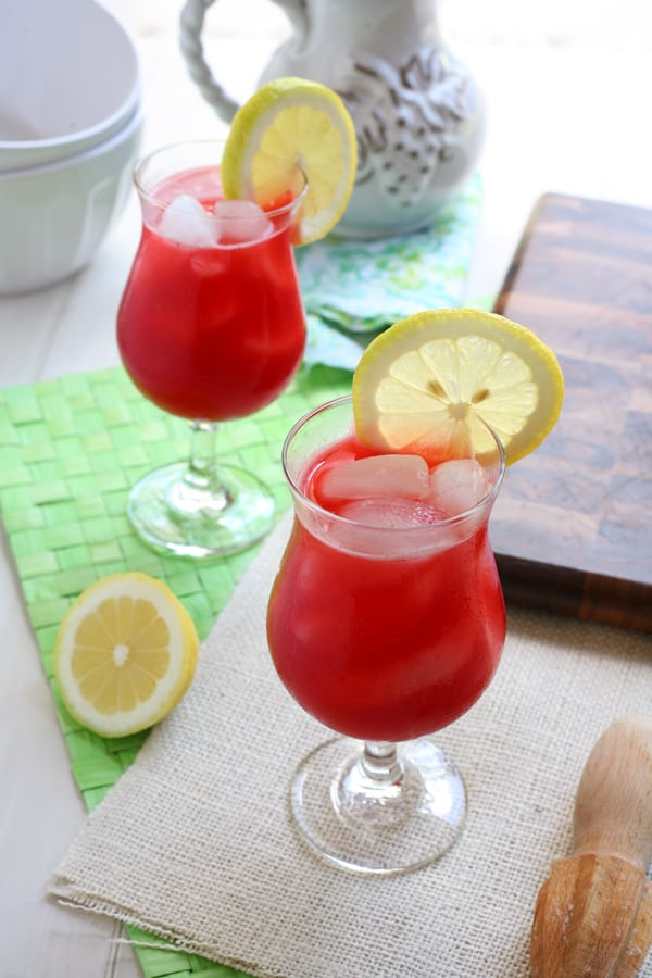 27 Refreshingly Flavored Water Drinks To Cool You Down This Hot Summer Season 13 #cookymom